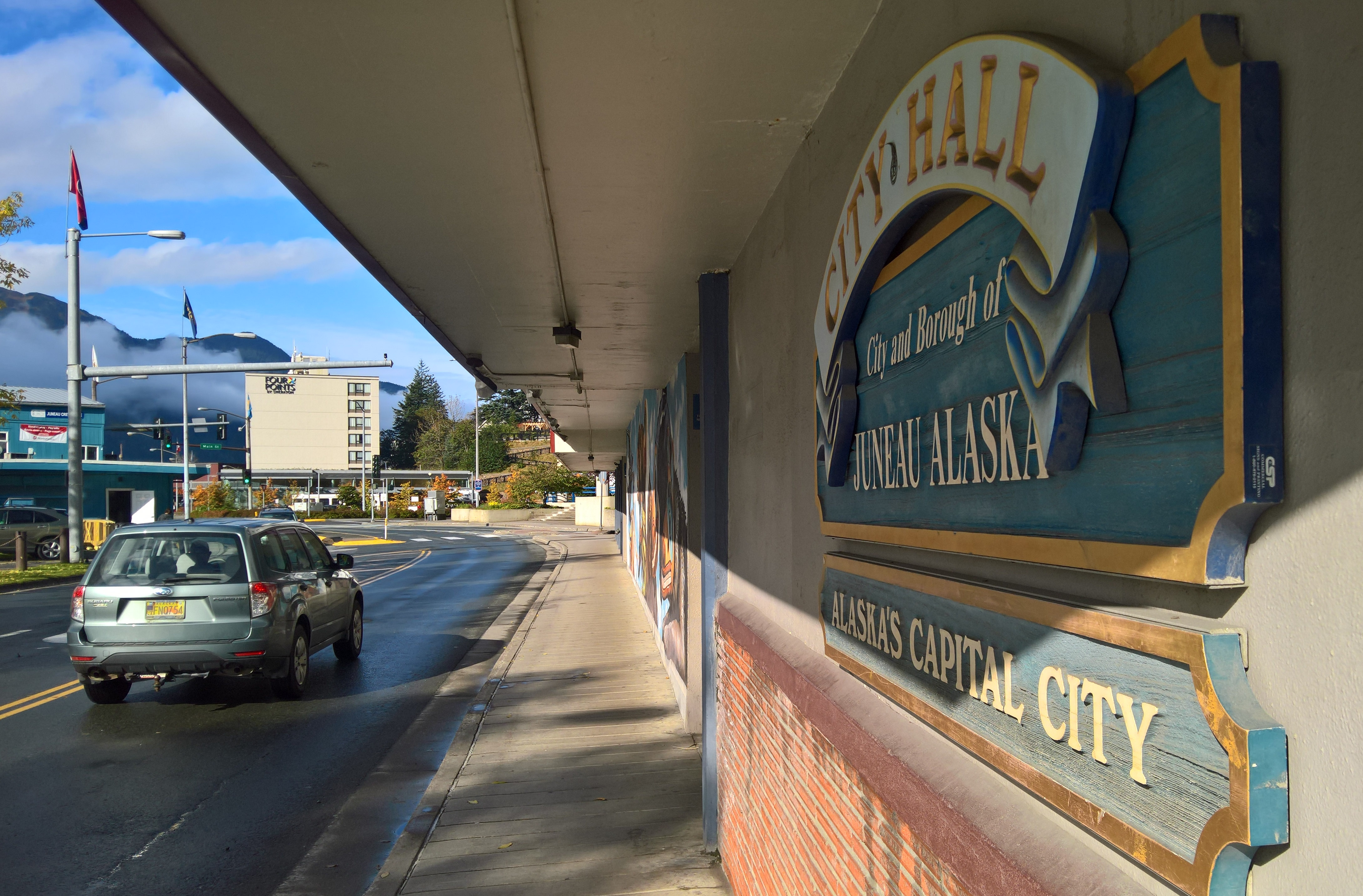 Traffic moves down Marine Way past Juneau City Hall on Sept. 25, 2017. (Photo by Jeremy Hsieh/KTOO)