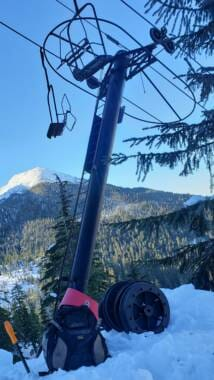 Damaged Ptarmigan chairlift pole on Insane